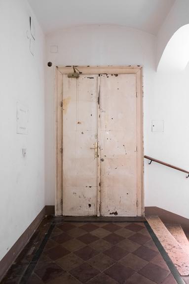 Eingang_Mieder